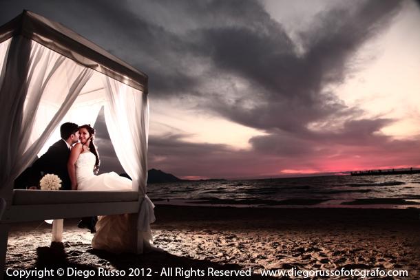 Matrimonio Sulla Spiaggia Napoli : Tramonto al sohal beach foto degli sposi romantica