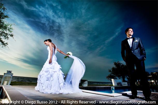 Matrimonio Spiaggia Napoli : Sposi al nabilah matrimoio sulla spiaggia abito sposo
