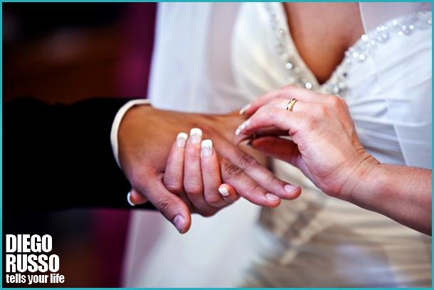 Scambio Delle Fedi Al Matrimonio - Reportage Matrimoniale - Fotografi Napoli