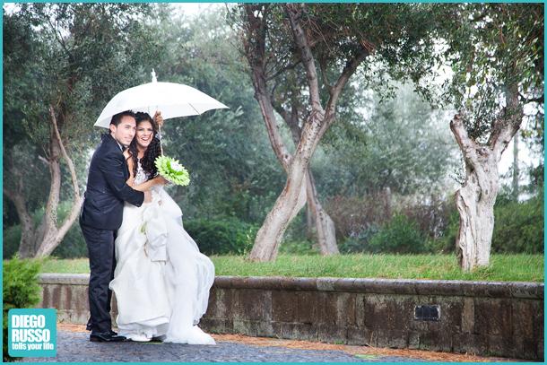 Foto Reportage Con Pioggia - Sposa Con Ombrello