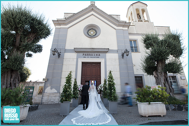 Foto Entrata In Chiesa Sposa - Foto Velo Sposa - Foto Matrimonio Religioso - Foto Sposa Con Papà - Foto Chiesa