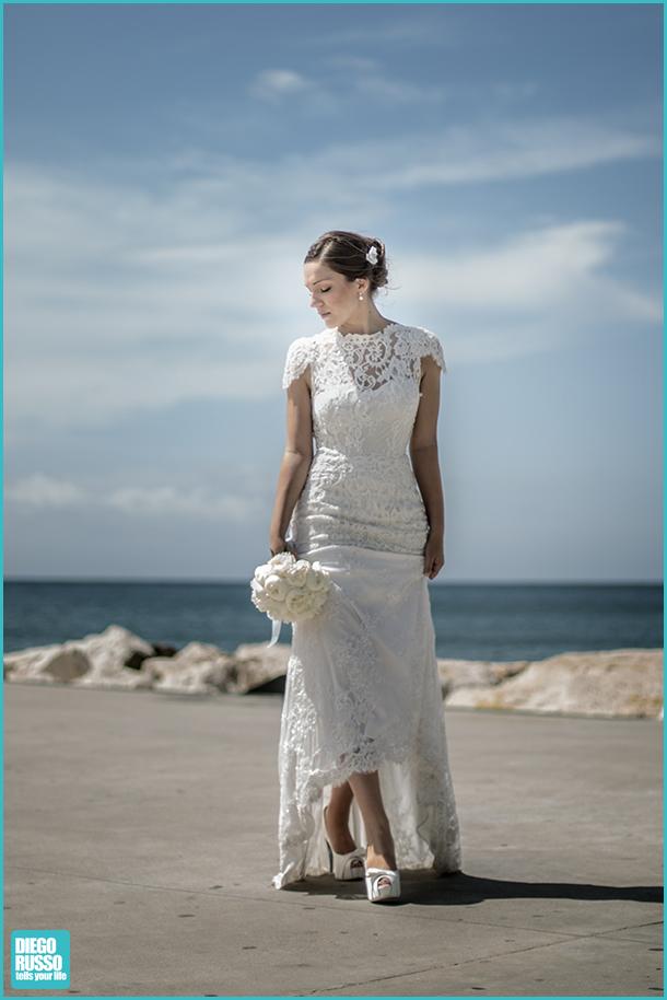 Foto Sposa - Foto Bouquet Sposa - Foto Abito Sposa - Fotyo Sposa Con Chignon - Foto Abito Sposa Pizzo