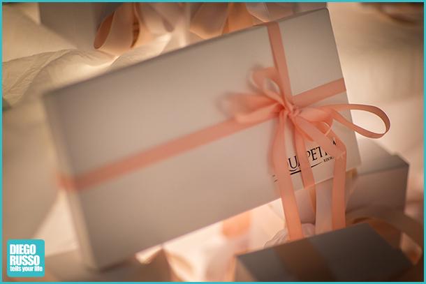 foto delle bomboniere al matrimonio - foto delle bomboniere - foto dei dettagli alle nozze - foto dei dettagli al matrimonio - foto del tavolo delle bomboniere