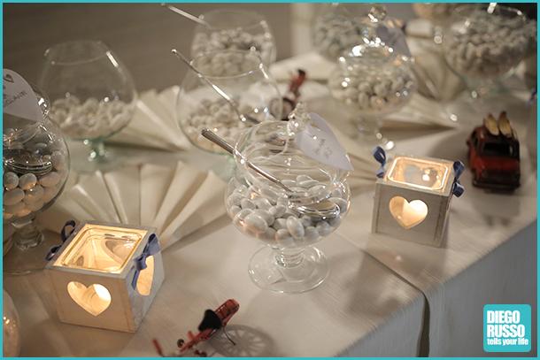 foto dei confetti - foto al matrimonio - foto dei dettagli alle nozze - foto confetti alle nozze - foto del tavolo dei confetti