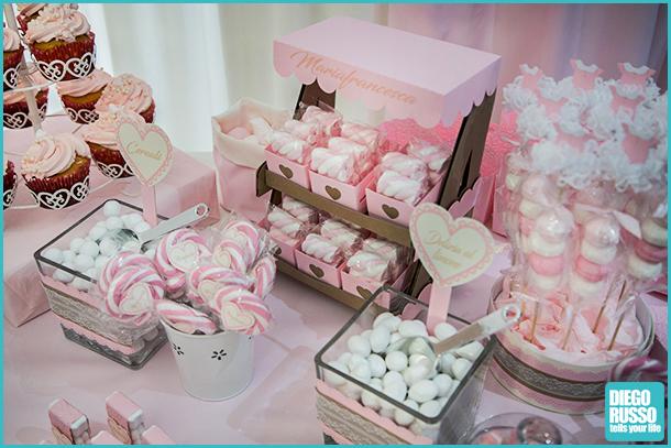 Foto tavolo confettata u foto confettata battesimo u foto confetti