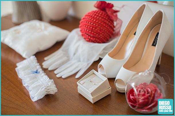 foto accessori sposa - foto cosa serve alla sposa - foto dettagli sposa natalizia