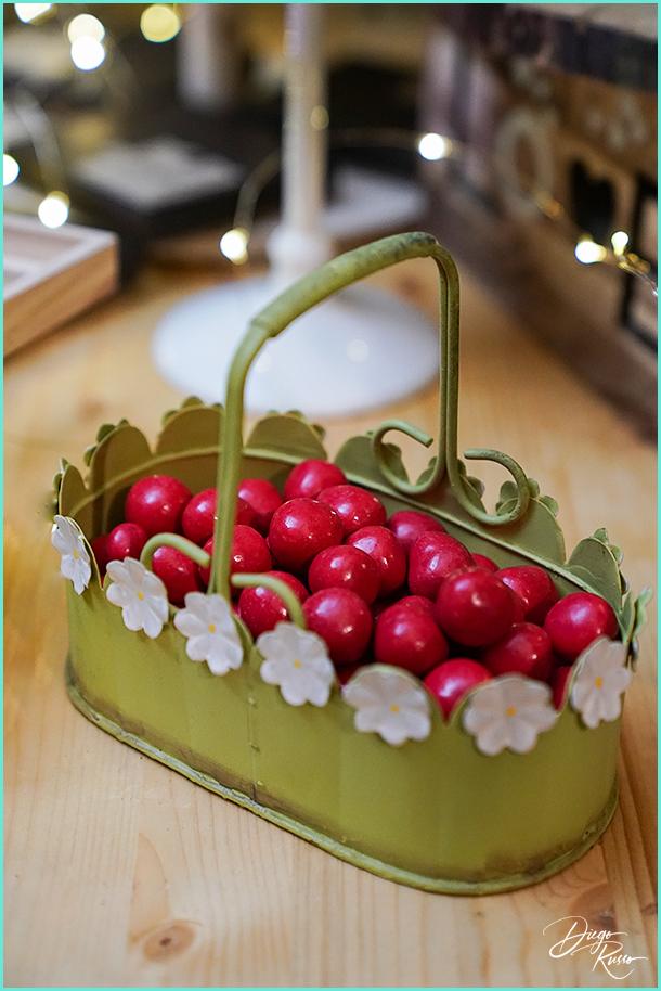 foto confetti color ciliegia - foto confetti da matrimonio - foto confetti gusto ciliegia