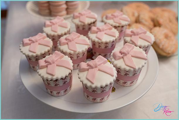 foto cupcakes per battesimo - foto cupcakes artigianali - foto cupcakes per angolo dolci